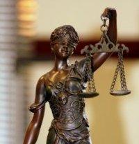 Как выбрать адвоката правильно